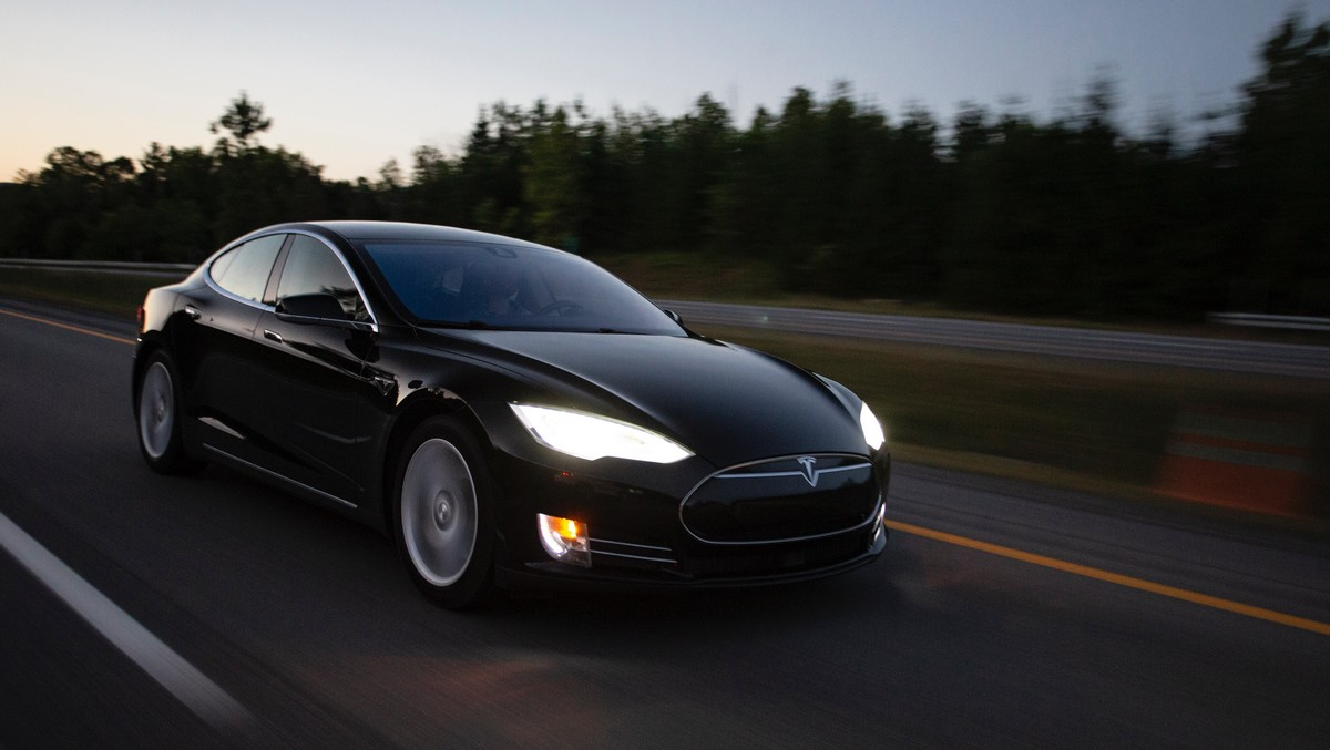 Oblíbený model elektromobilu značky Tesla.